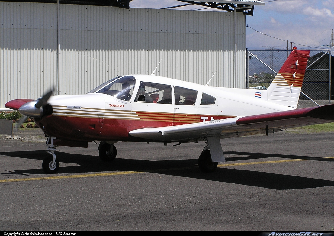 TI-AEI - Piper PA-28R-201 Arrow II - Privado