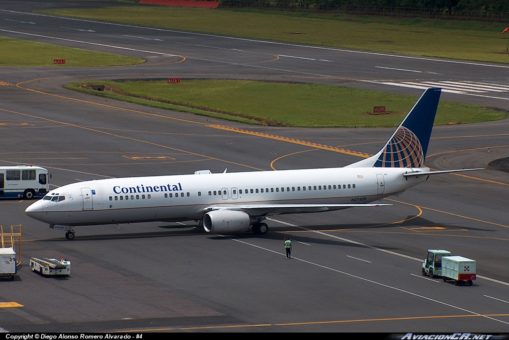 N37409 - Boeing 737-924 - Continental Airlines