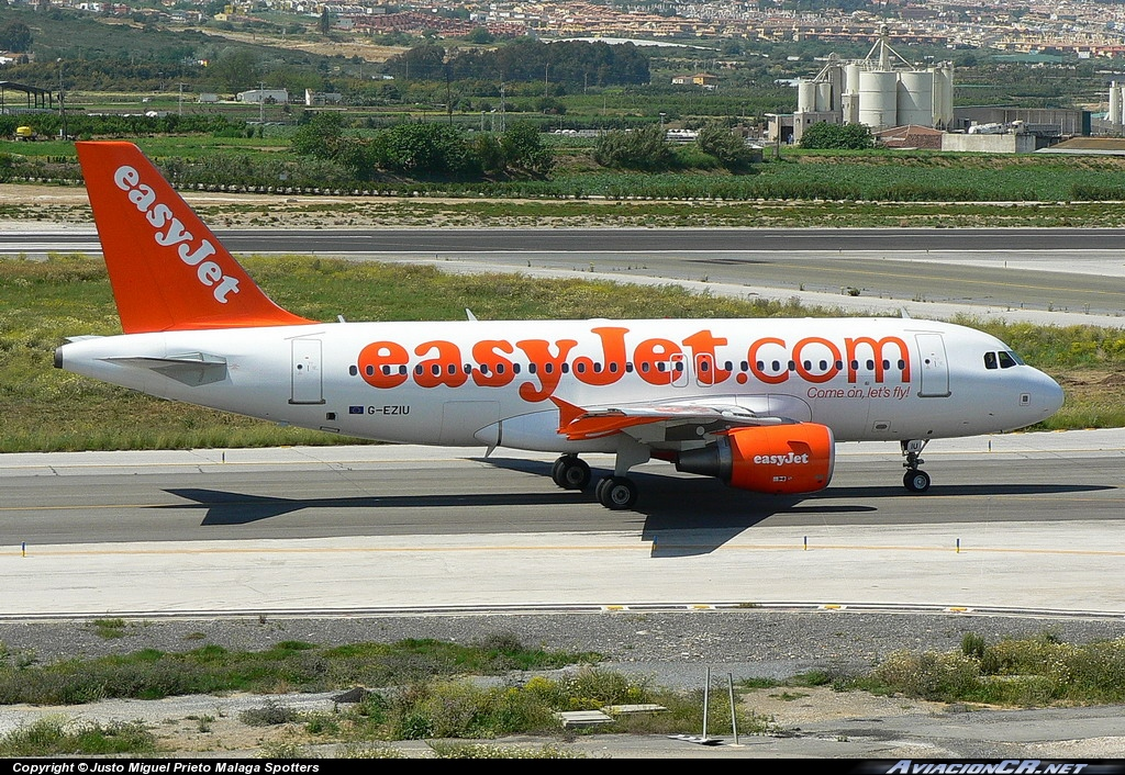 G-EZIU - Airbus A319-111 - EasyJet Airlines