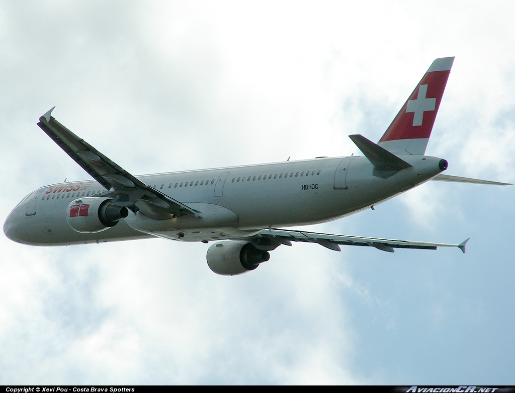 HB-IOC - Airbus A321-111 - Swiss International Air Lines