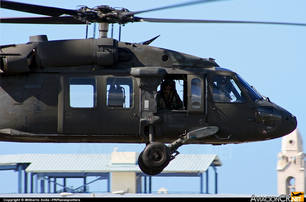 024494 - Sikorsky UH-60A Black Hawk (S-70A) - Puerto Rico Army National Guard (PRANG)