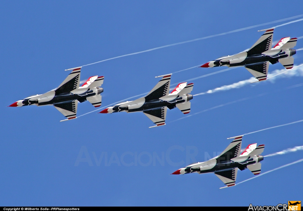 - General Dynamics F-16C Fighting Falcon - USAF Thunderbirds
