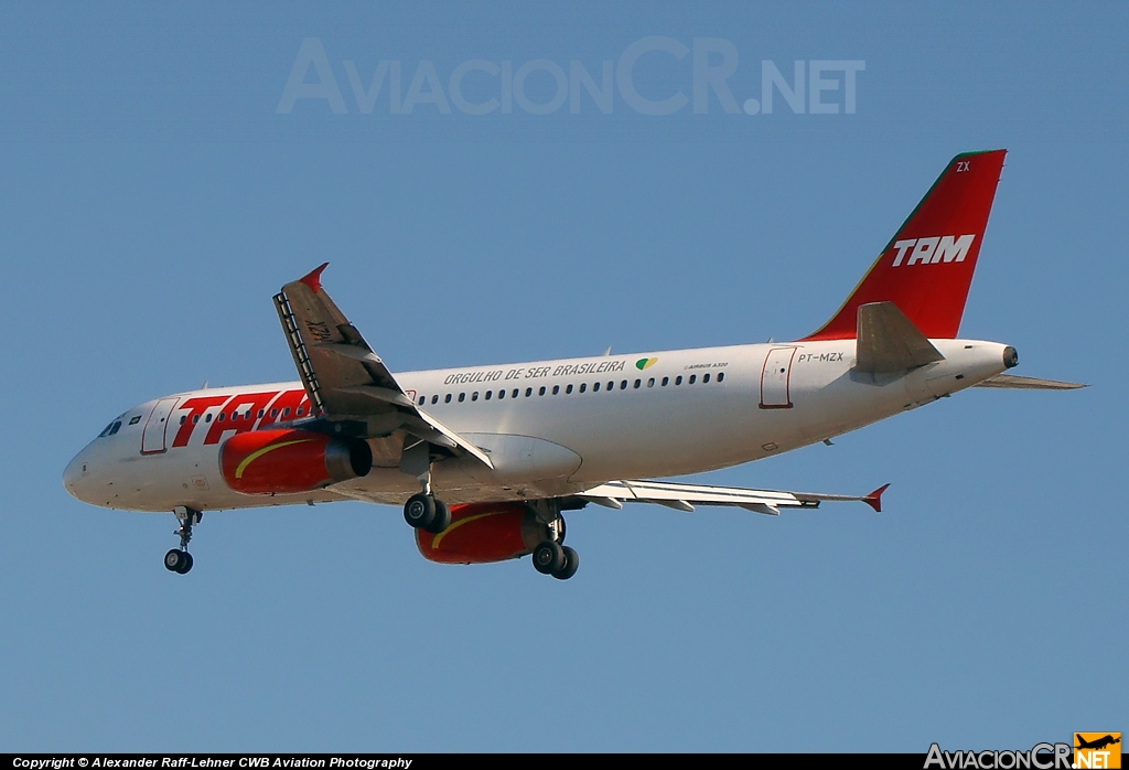 PT-MZX - Airbus A320-232 - TAM