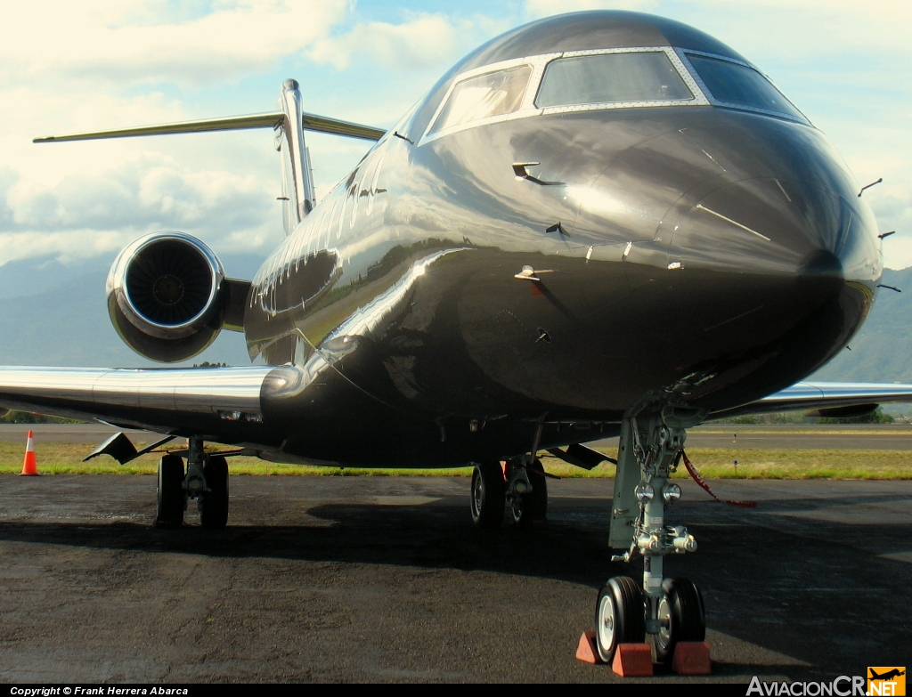 N711MC - Bombardier  BD-700-1A10 Global Express - N & MD Investment Corporation