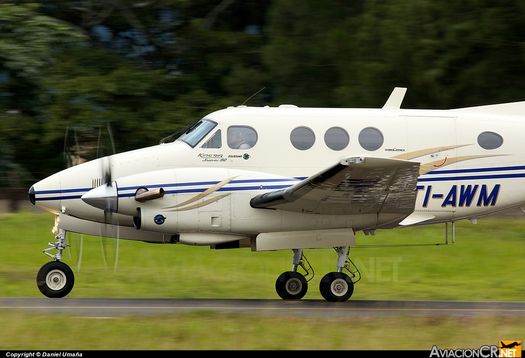 TI-AWM - Beechcraft King Air F90 - Privado