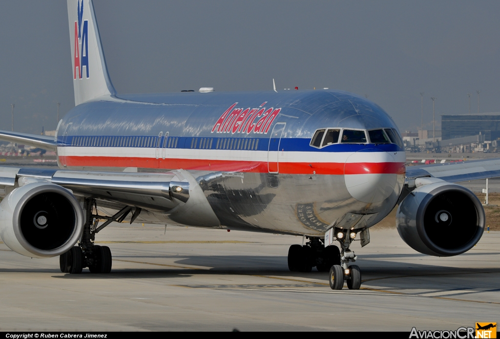 N7375A - Boeing 767-323/ER - American Airlines