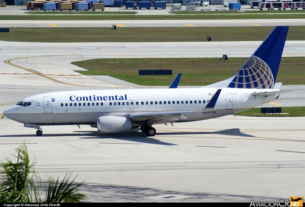 N39726 - Boeing 737-724 - Continental Airlines
