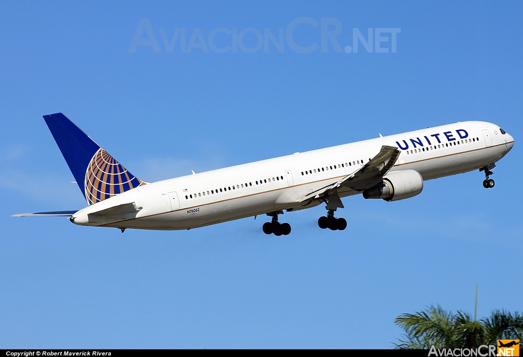 N76062 - Boeing 767-424/ER - United Airlines