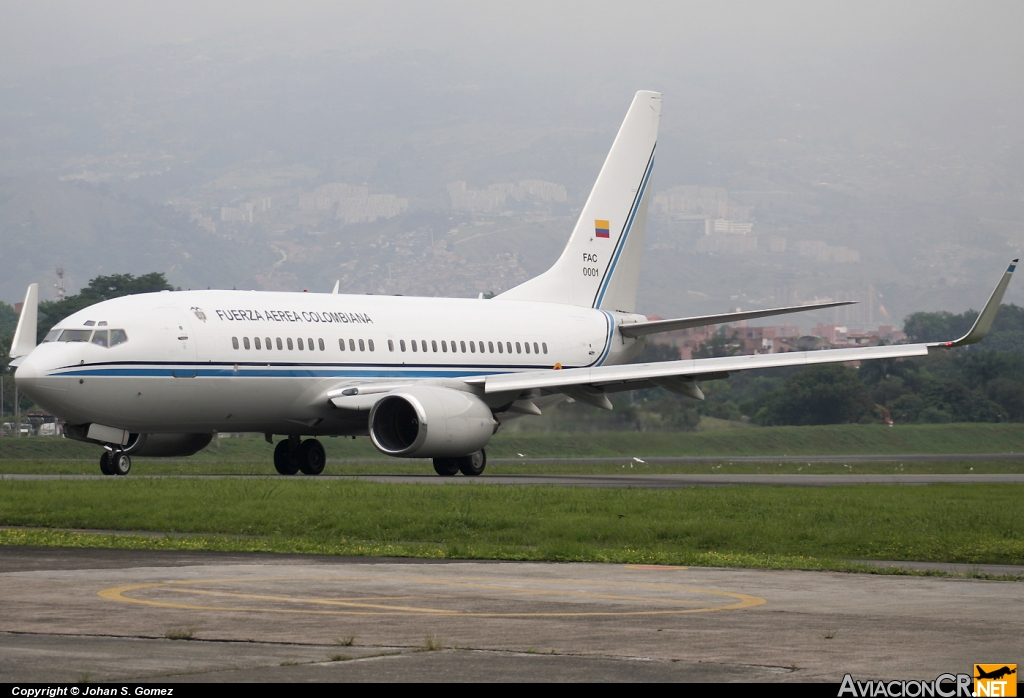 FAC0001 - Boeing 737-74V(BBJ) - Fuerza Aérea Colombiana
