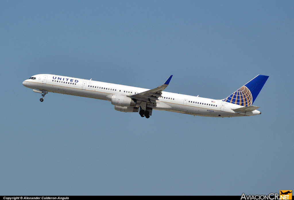 N75853 - Boeing 757-324 - United Airlines