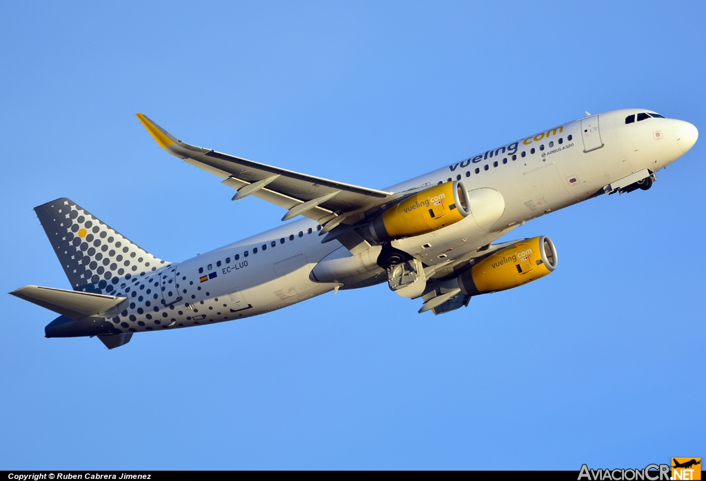 EC-LUO - Airbus A320-214 - Vueling