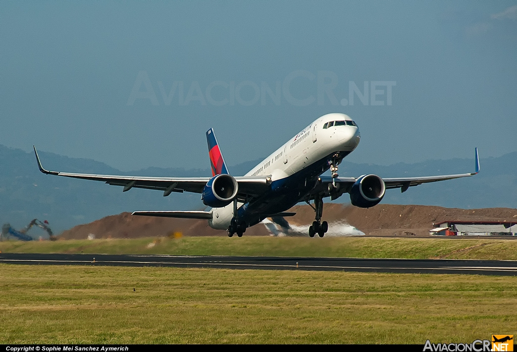 N556NW - Boeing 757-251 - Delta Airlines